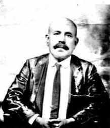 Passport photo of Nami Nebham in 1916.